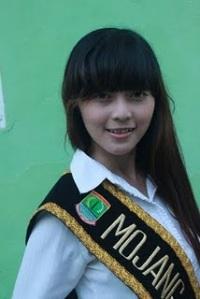 Finalis Pasanggiri Mojang Jajaka Karawang (MOKA) 2011 - Ira