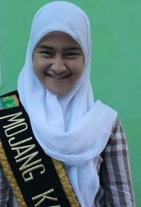 Finalis Pasanggiri Mojang Jajaka Karawang (MOKA) 2011 - Karlina